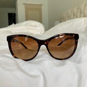 Burberry BE4199 Sunglasses - Cat eye